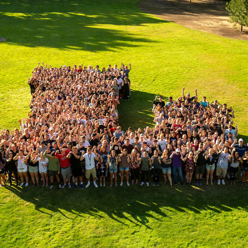 L photo in Oak Grove of 2019 incoming students